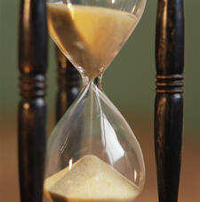 Hourglass - Zoom to sand.jpg