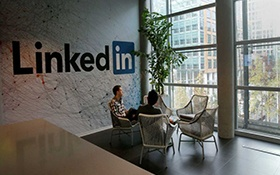 Learning LinkedIn from the Experts